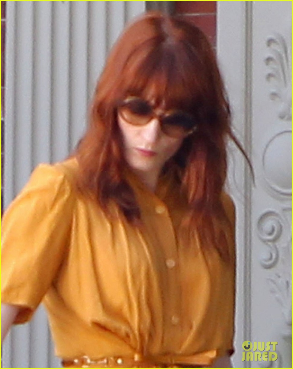 florence welch heads to blake lively ryan reynolds wedding first pics 022718618