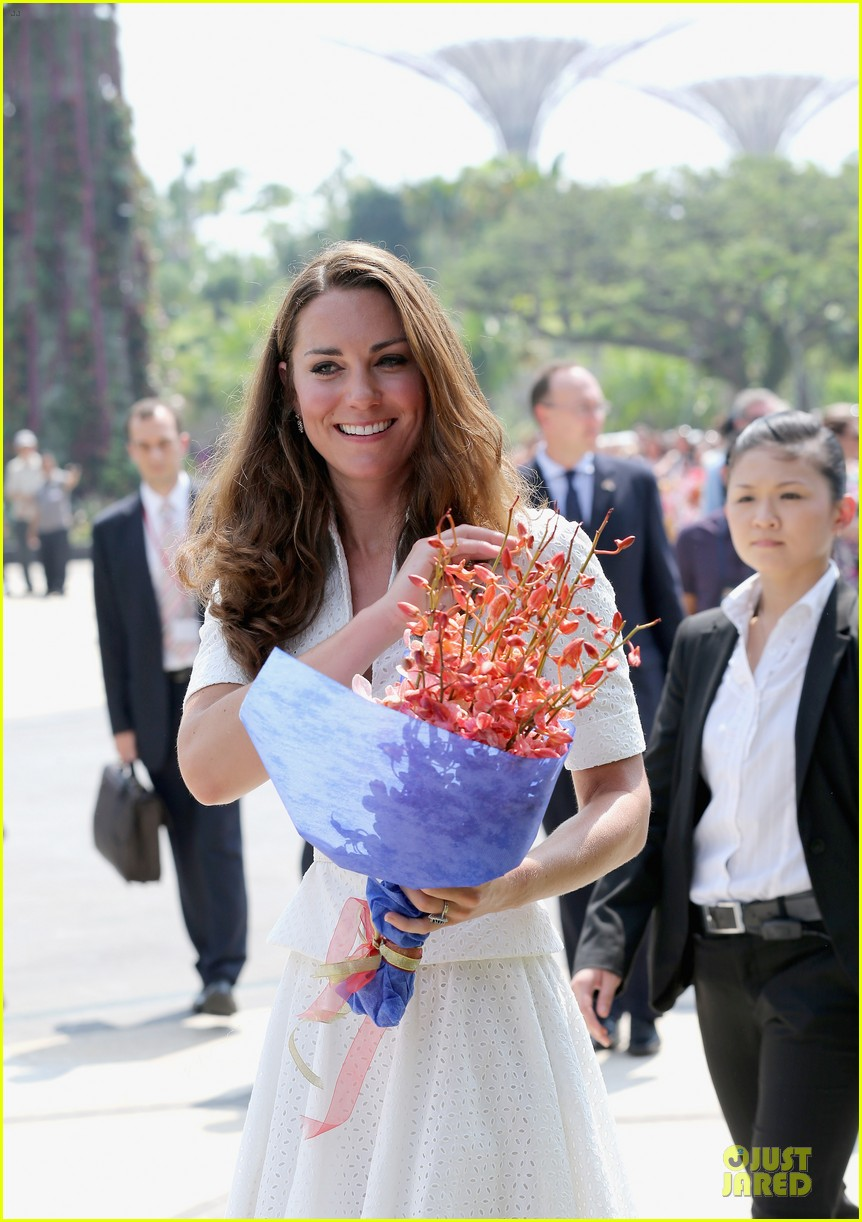 prince william duchess kate visit garden by the bay 042720015