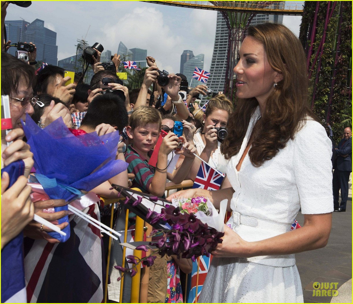 prince william duchess kate visit garden by the bay 132720024
