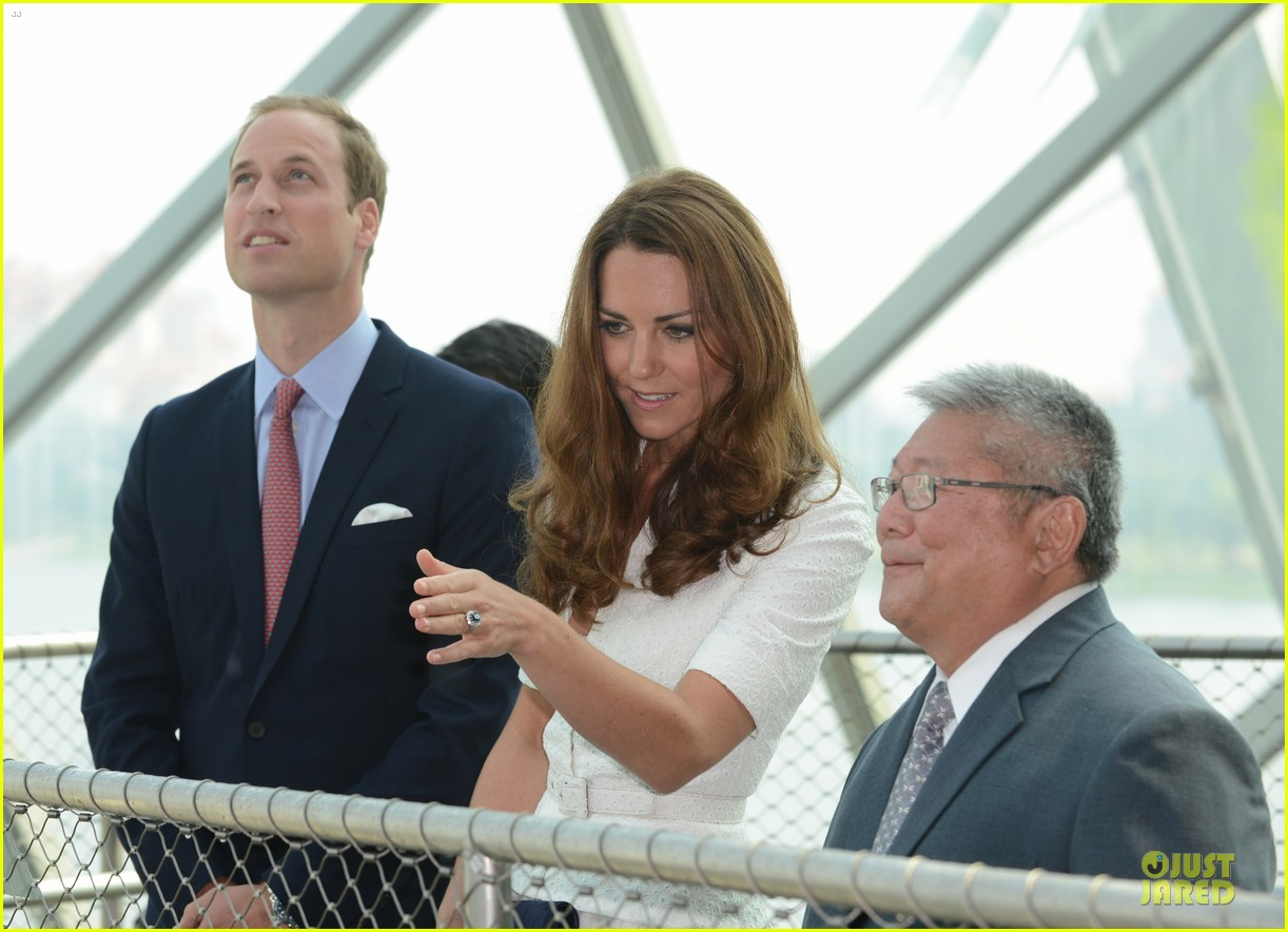 prince william duchess kate visit garden by the bay 222720033