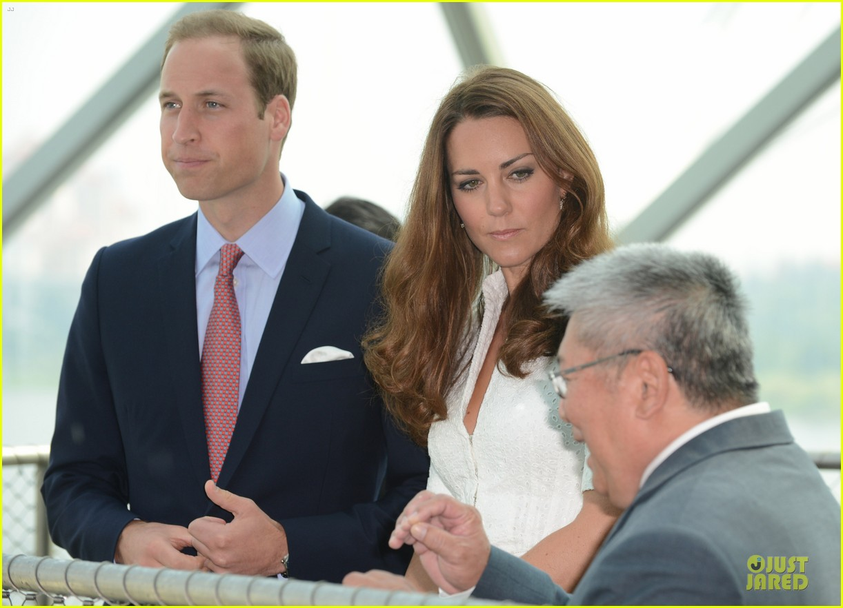 prince william duchess kate visit garden by the bay 232720034