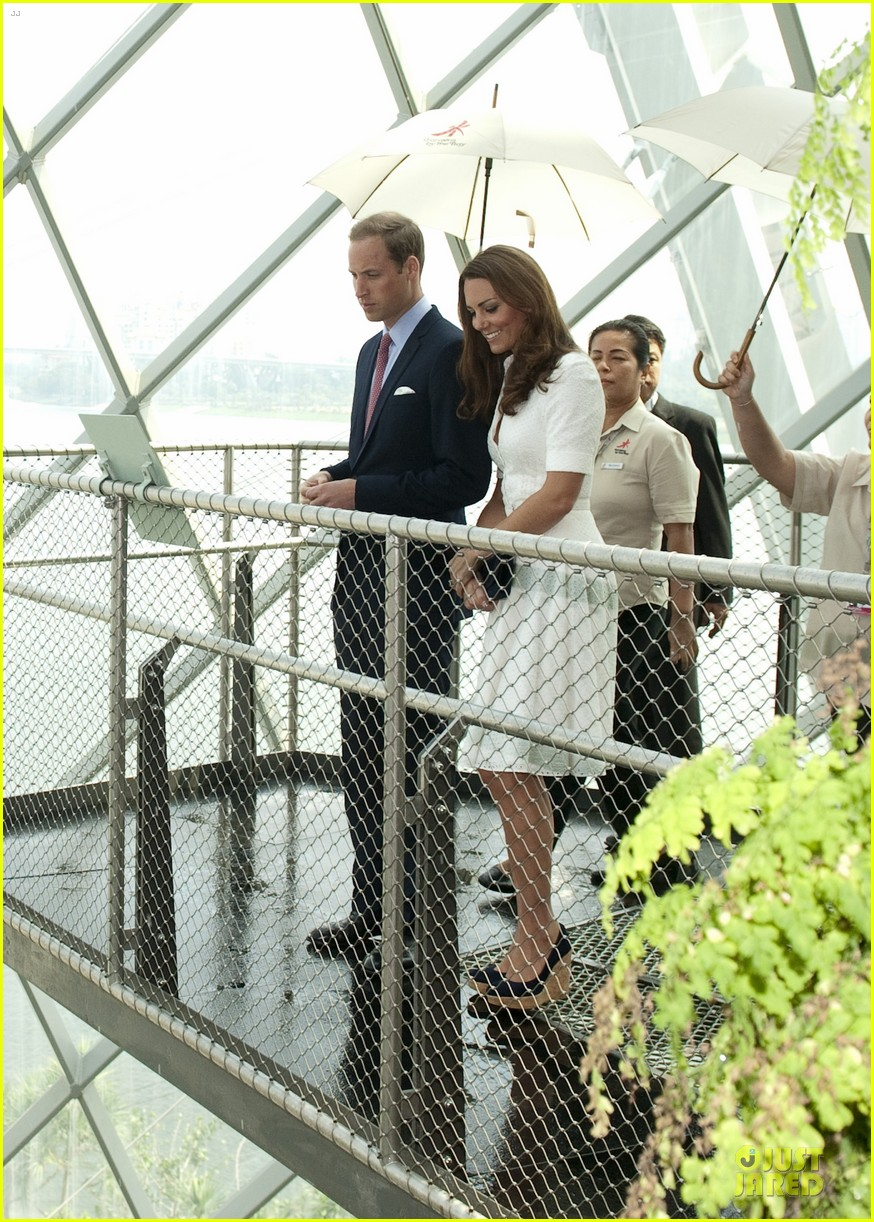 prince william duchess kate visit garden by the bay 252720036