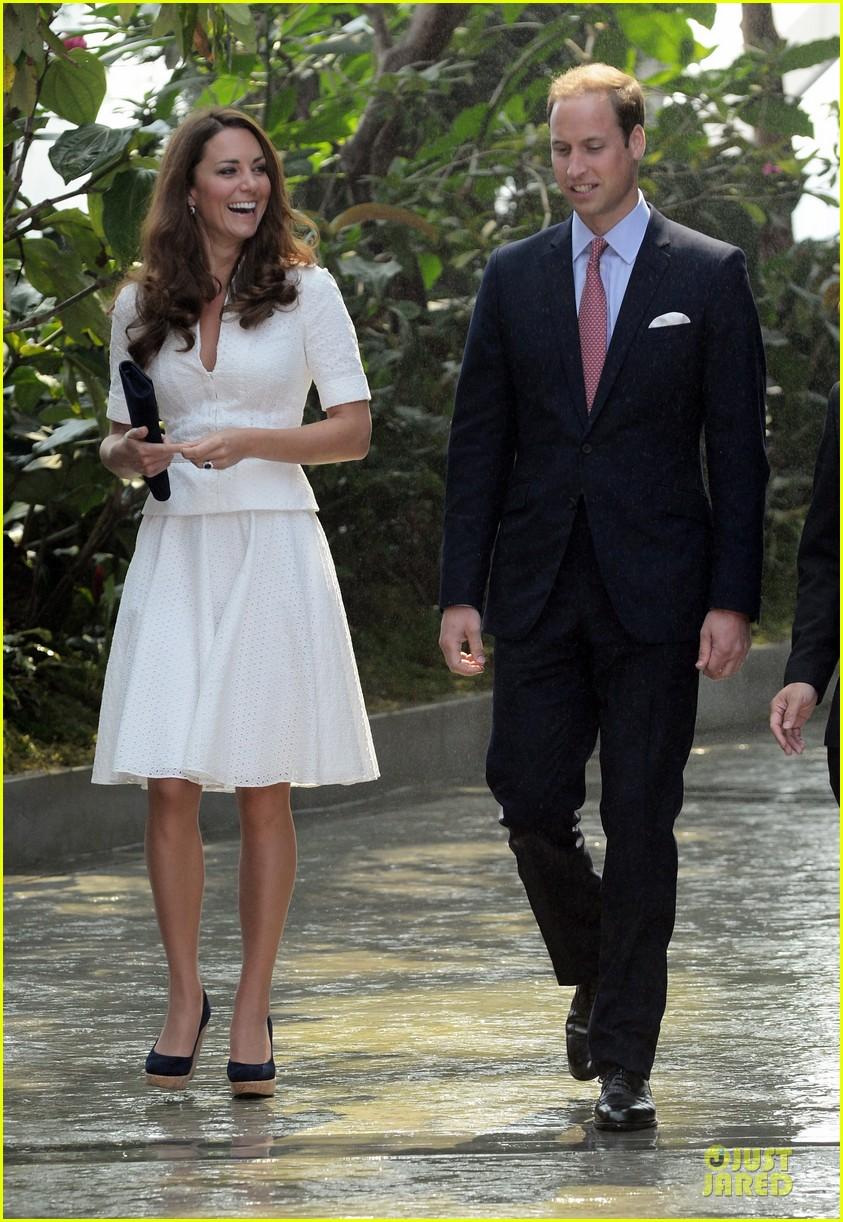 prince william duchess kate visit garden by the bay 31