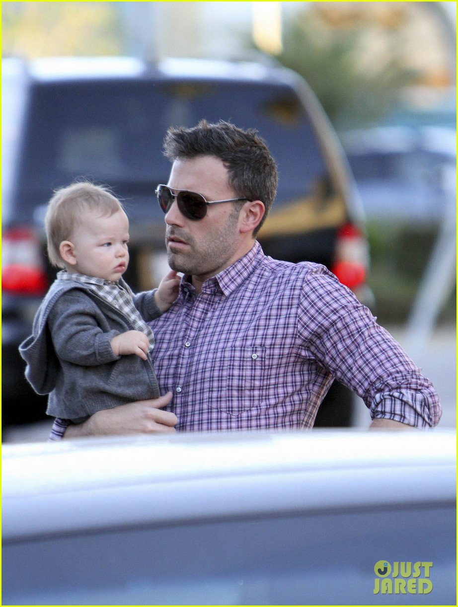 ben affleck jennifer garner family dinner with the kids 072746827