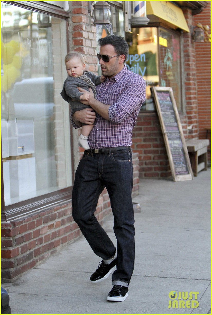 ben affleck jennifer garner family dinner with the kids 162746836