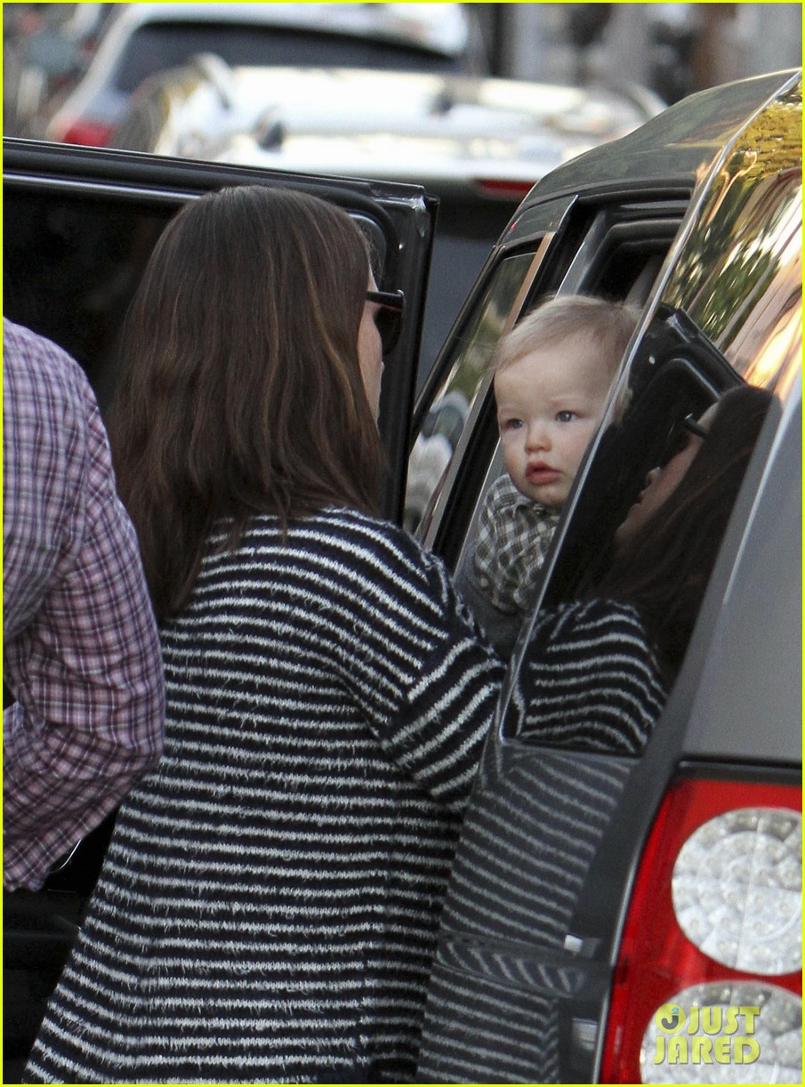 ben affleck jennifer garner family dinner with the kids 19