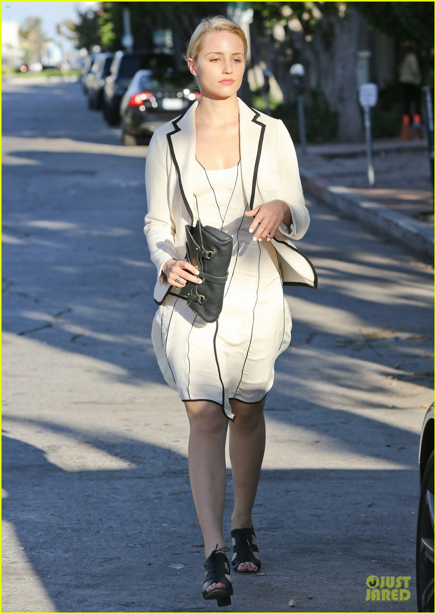 dianna agron nohting like bopping around europe with friends 012736735