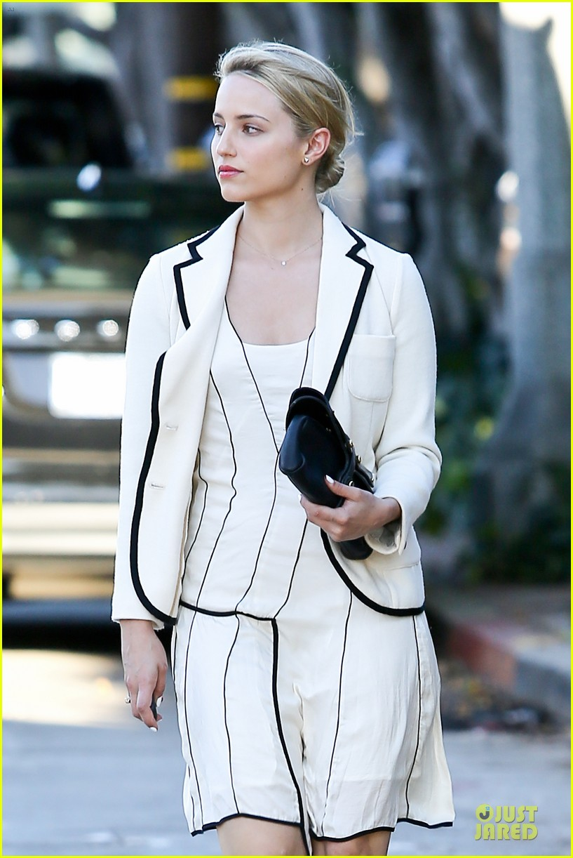 dianna agron nohting like bopping around europe with friends 022736736