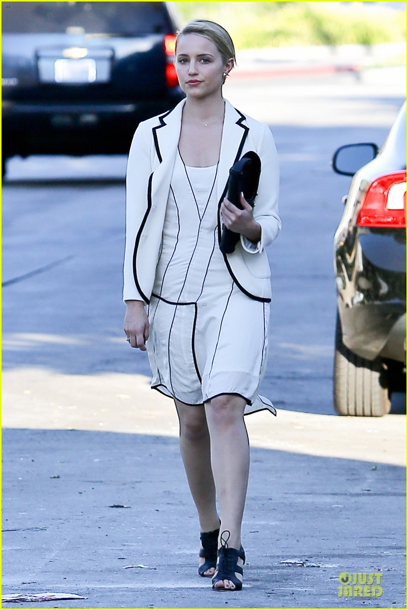 dianna agron nohting like bopping around europe with friends 032736737