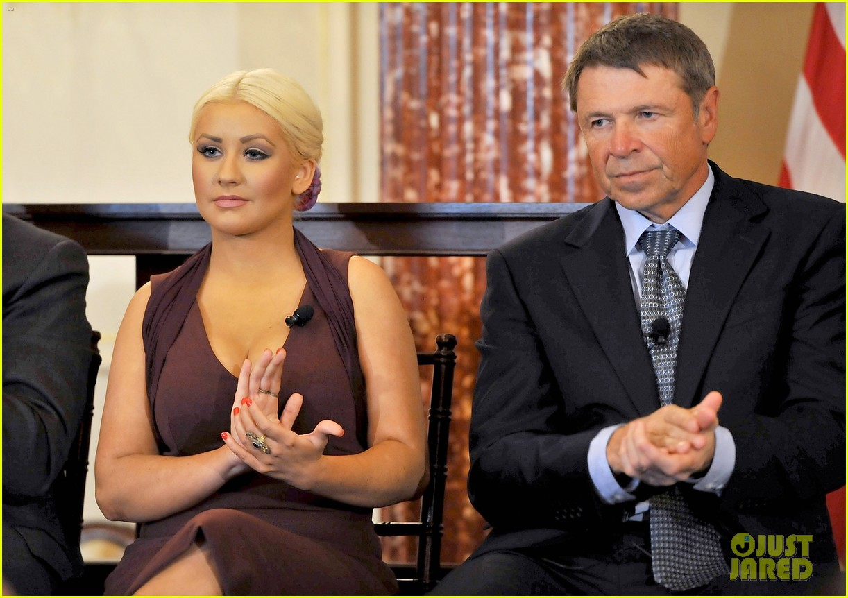 christina aguilera george mcgovern award ceremony 08