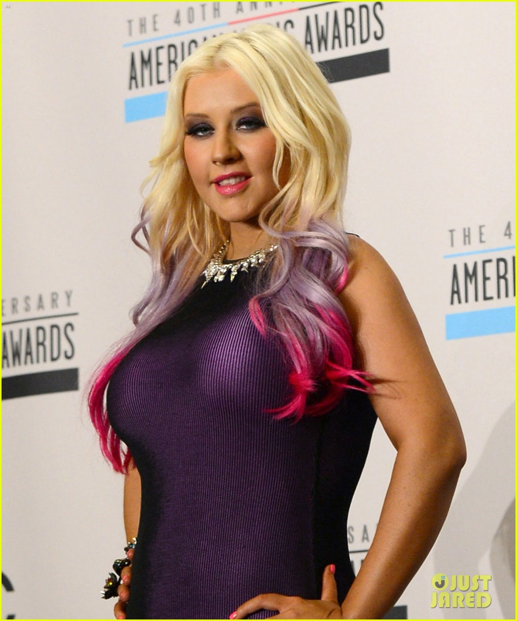christina aguilera announces american music awards nominations 012735419