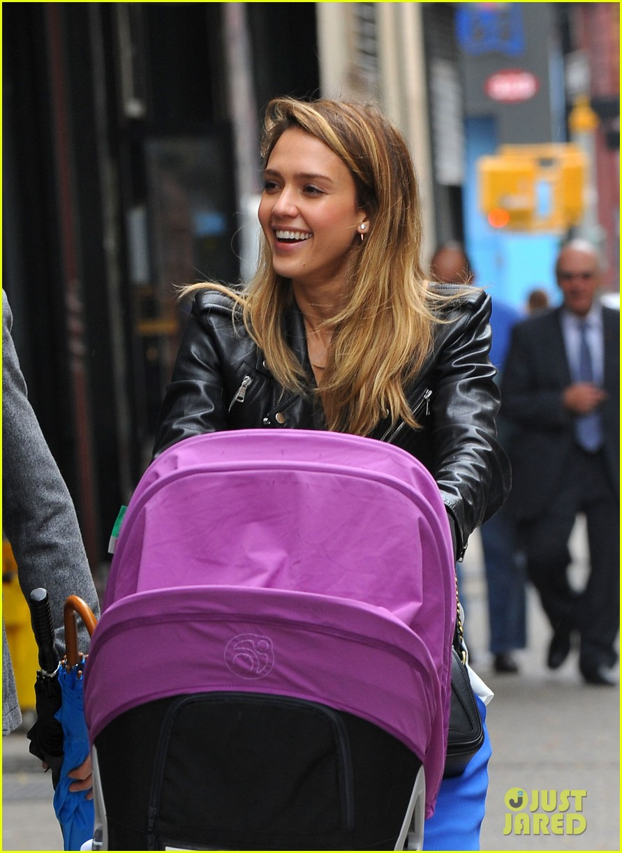 jessica alba big apple outing with haven 042733028