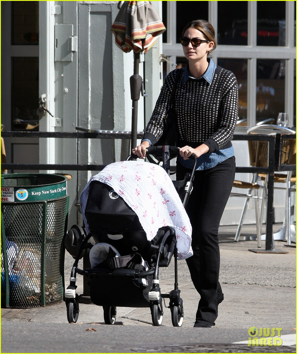 lily aldridge caleb followill big apple stroll with dixie 072743778