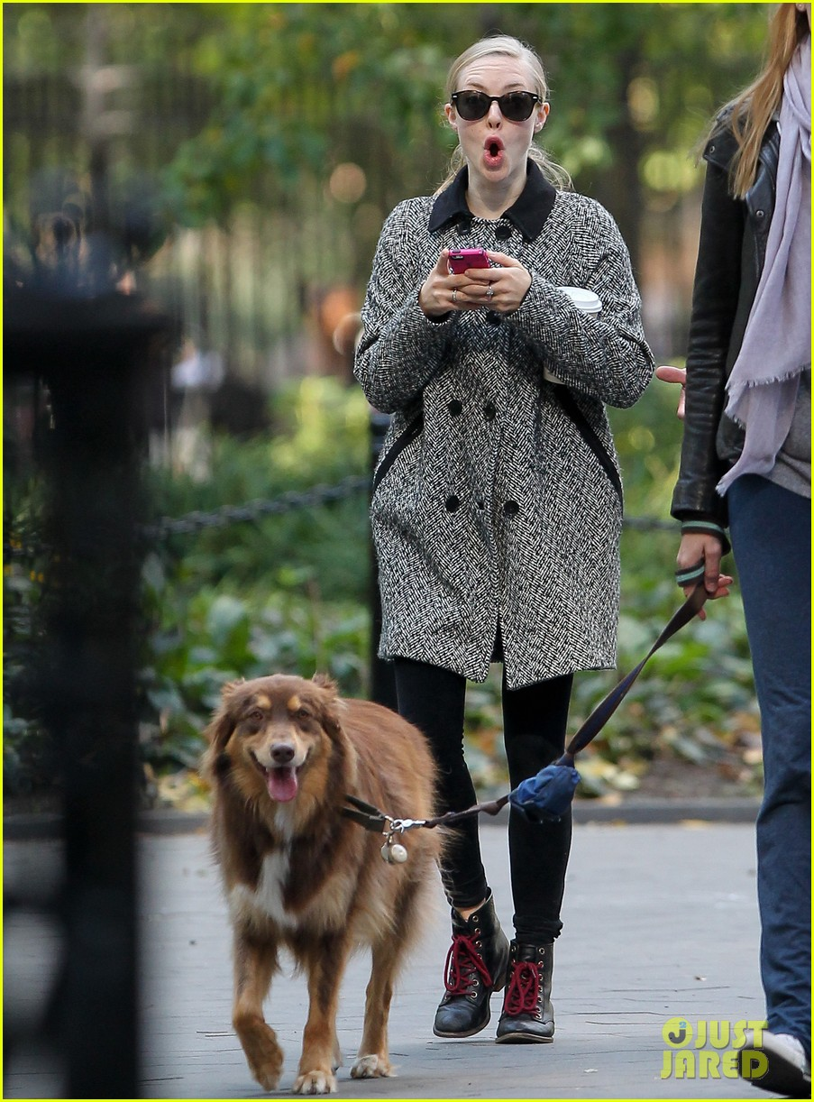 amanda seyfried funny faces in nyc 01