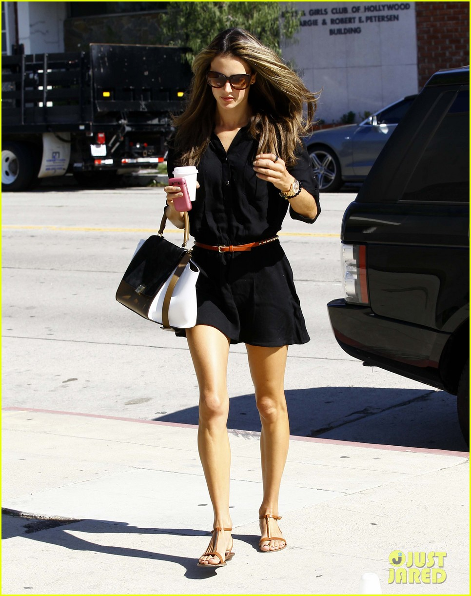 alessandra ambrosio recording studio beauty 082748078