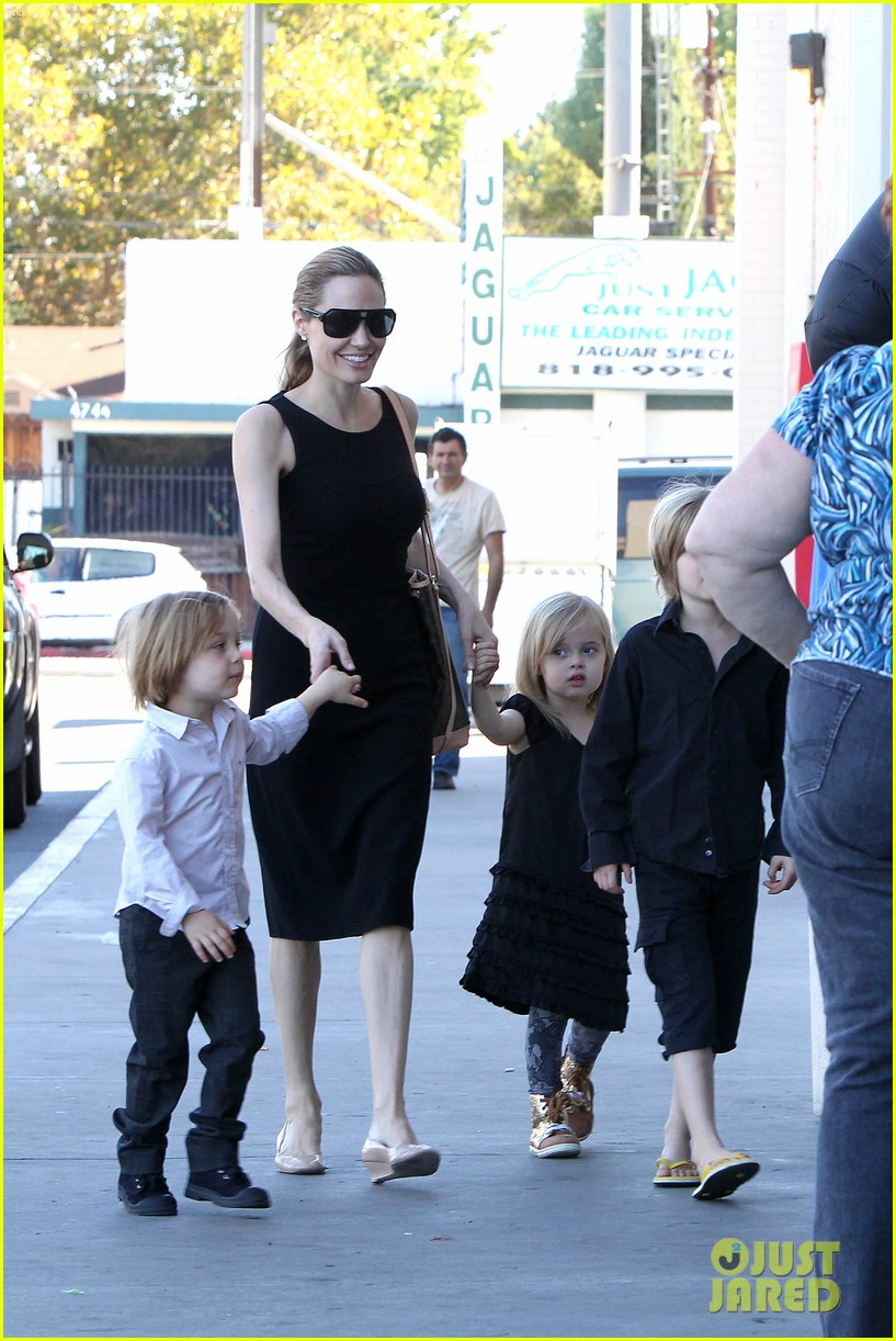 angelina jolie halloween shopping with the kids 022746965