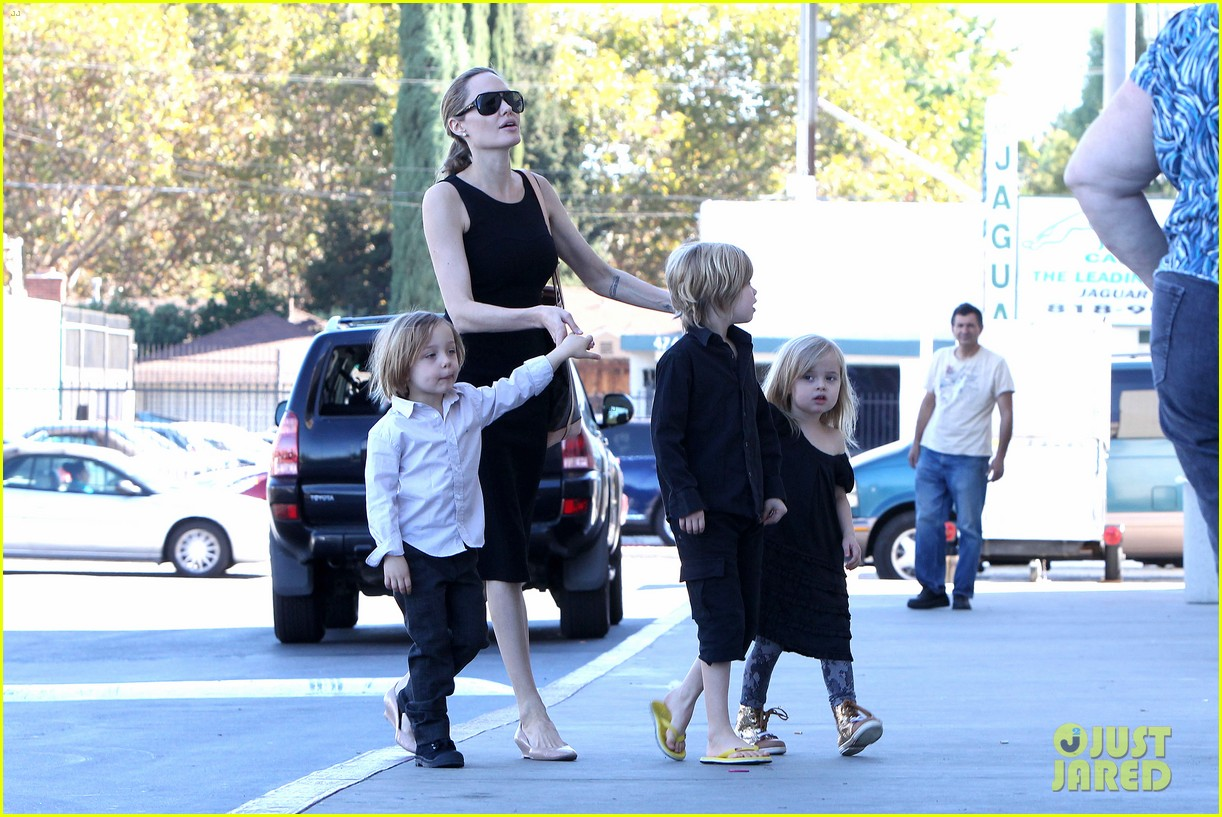 angelina jolie halloween shopping with the kids 122746975