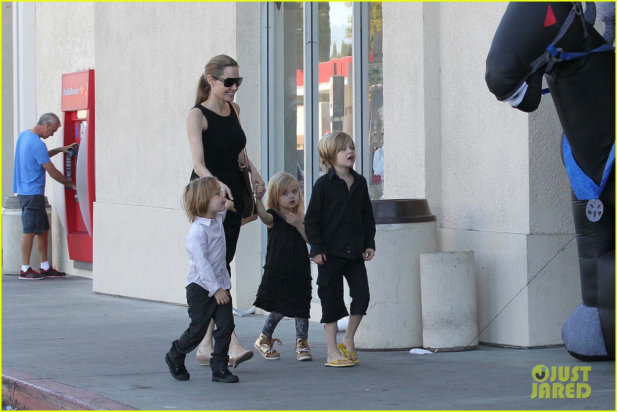 angelina jolie halloween shopping with the kids 212746984