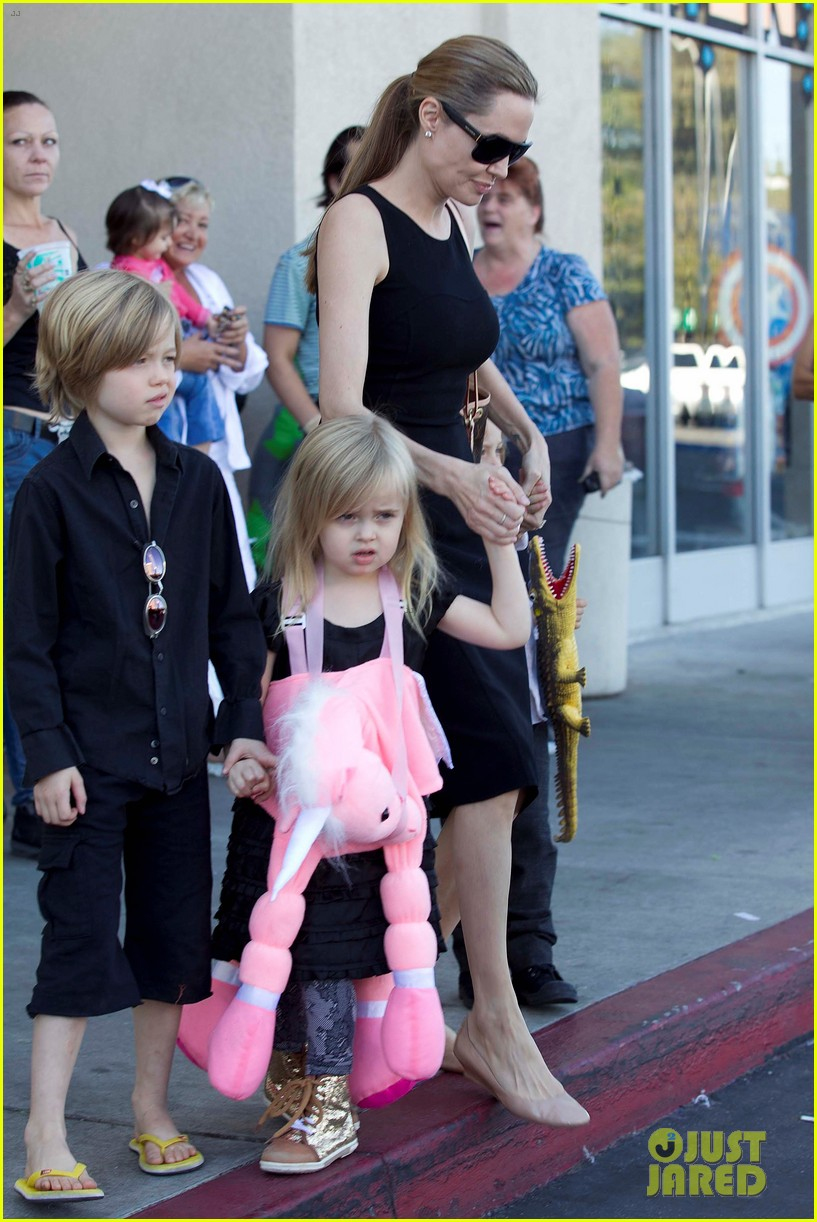 angelina jolie halloween shopping with the kids 242746987