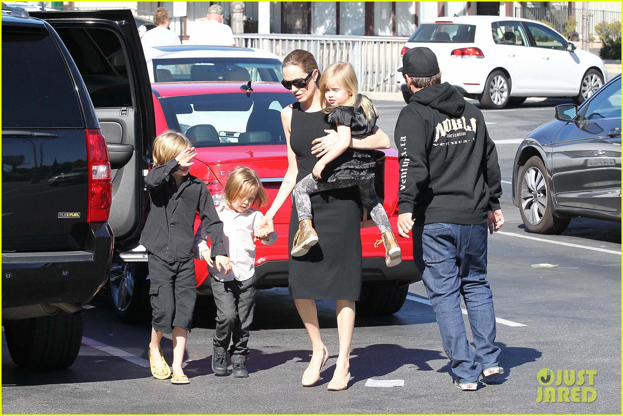 angelina jolie halloween shopping with the kids 292746992