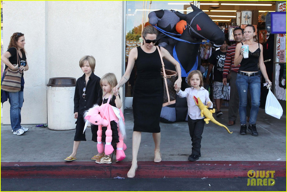 angelina jolie halloween shopping with the kids 322746995