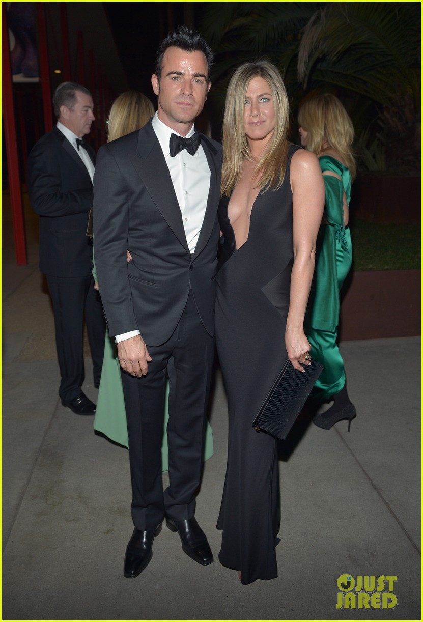 jennifer aniston justin theroux lacma gala with drew barrymore 052746685