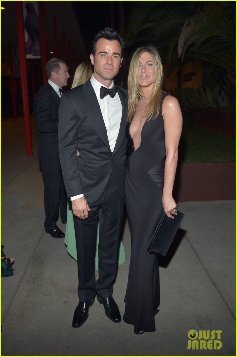 jennifer aniston justin theroux lacma gala with drew barrymore 082746688