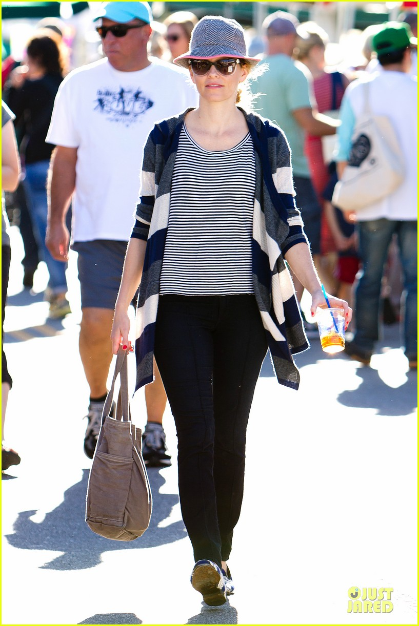 elizabeth banks walk of shame star 07