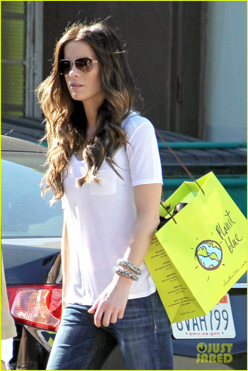 kate beckinsale planet blue shopper 012740056