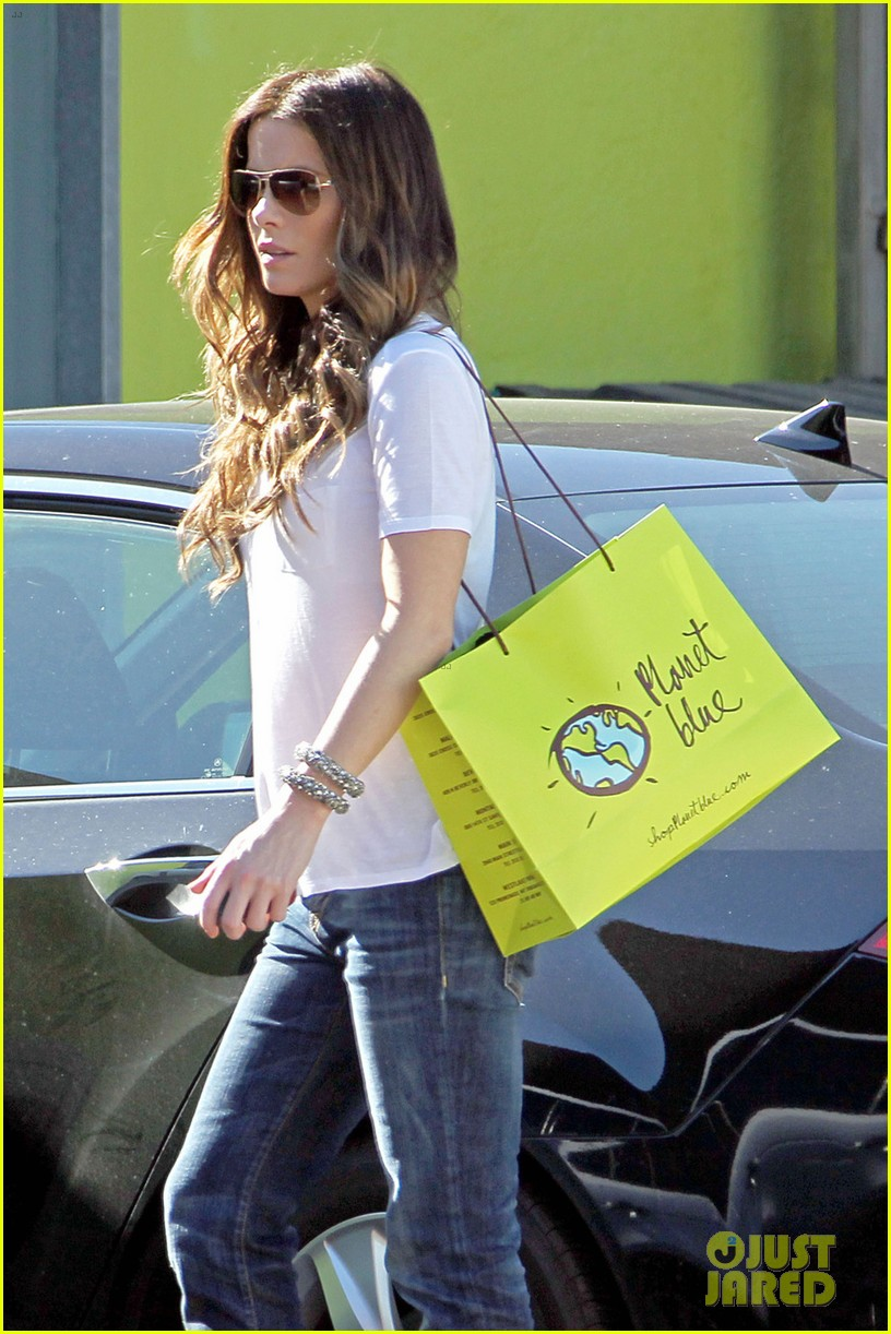 kate beckinsale planet blue shopper 082740063