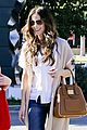 kate beckinsale tavern family lunch 04