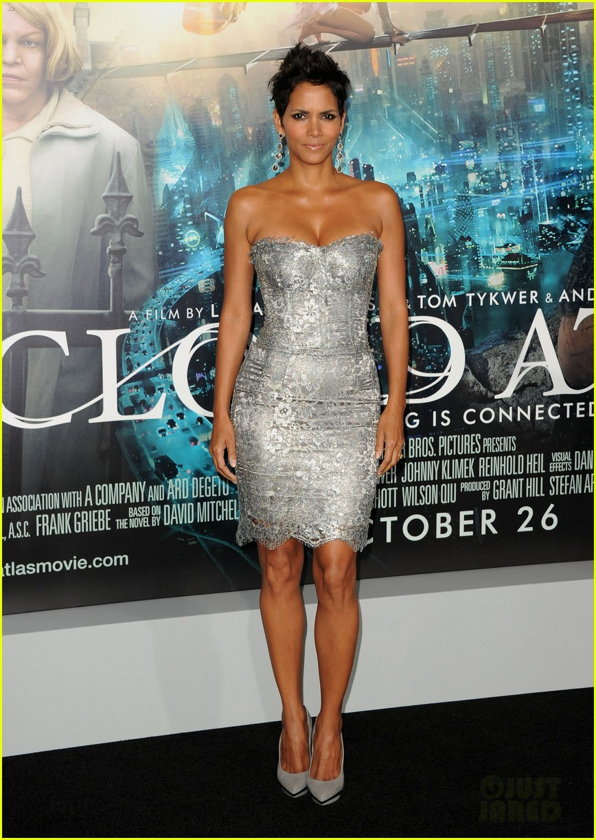 halle berry cloud atlas premiere with olivier martinez 032744395