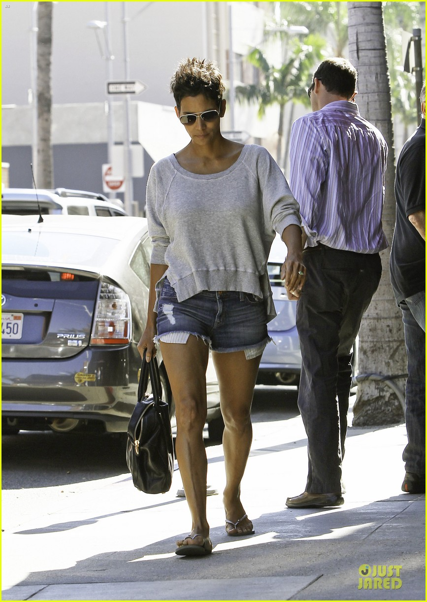 halle berry cloud atlas make up required early start day 052748116