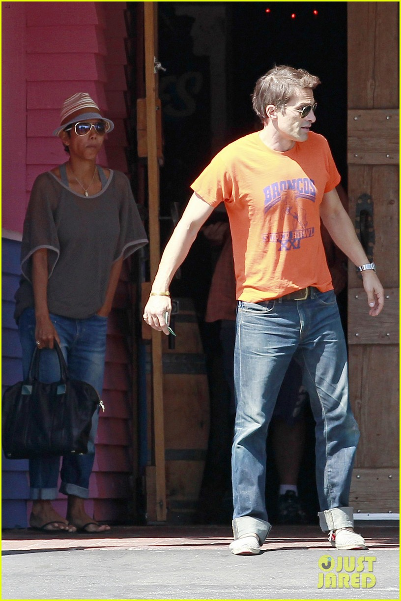 halle berry olivier martinez pink taco lunch date 052733212