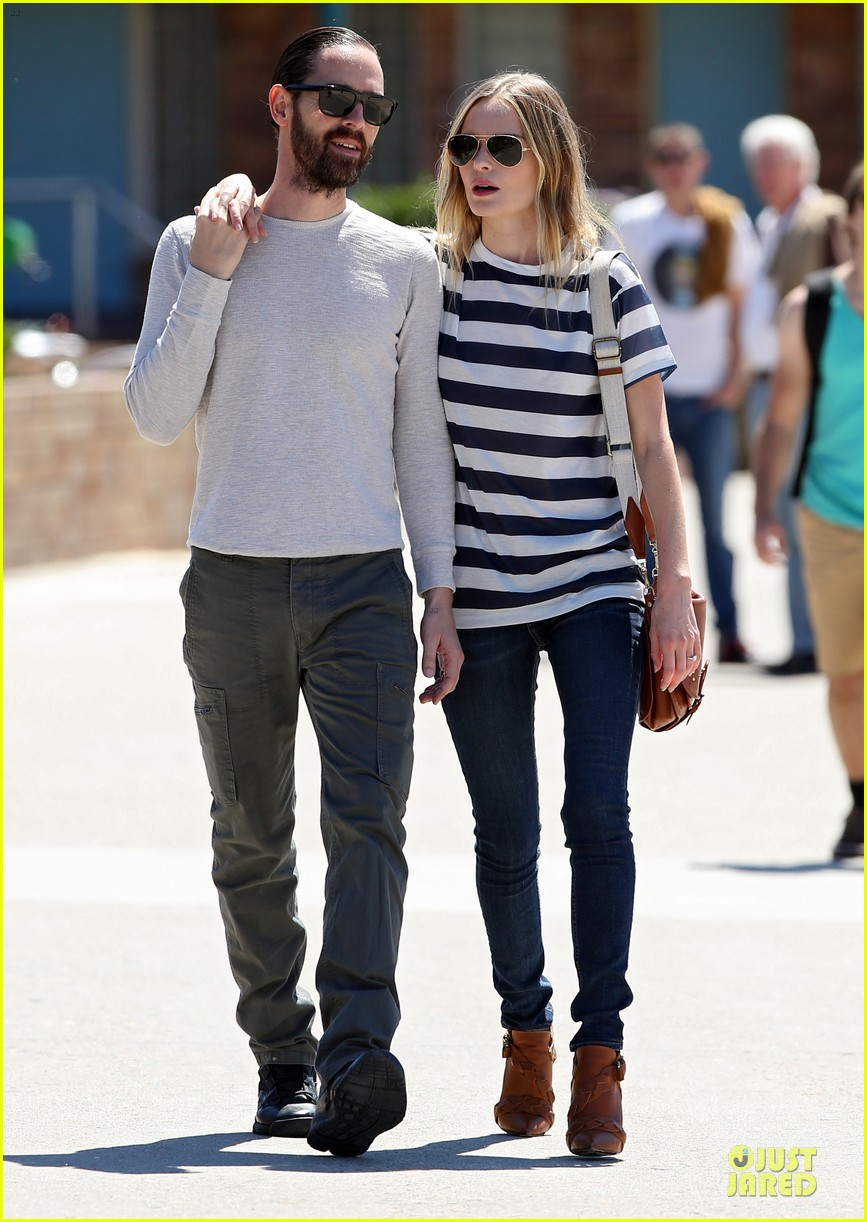 kate bosworth michael polish autralian sight seeing couple 022735728
