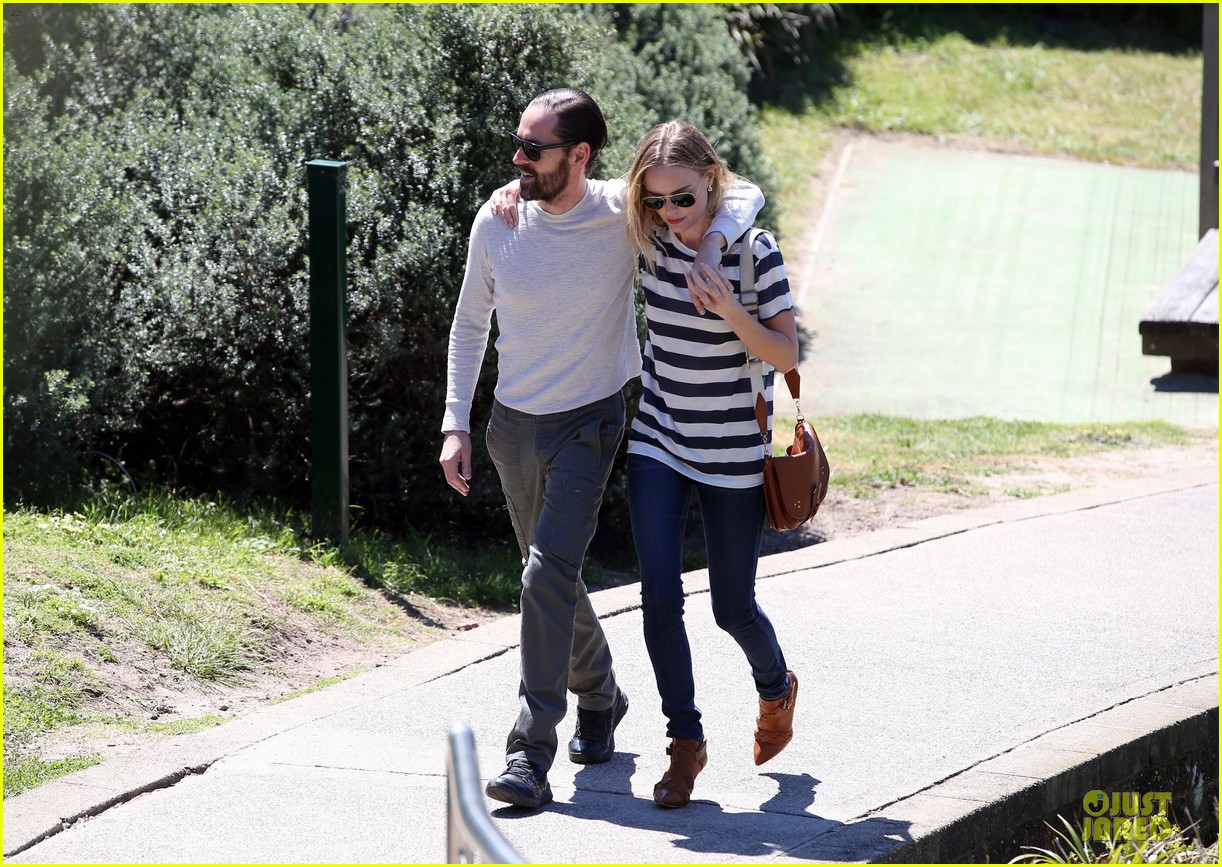 kate bosworth michael polish autralian sight seeing couple 032735729