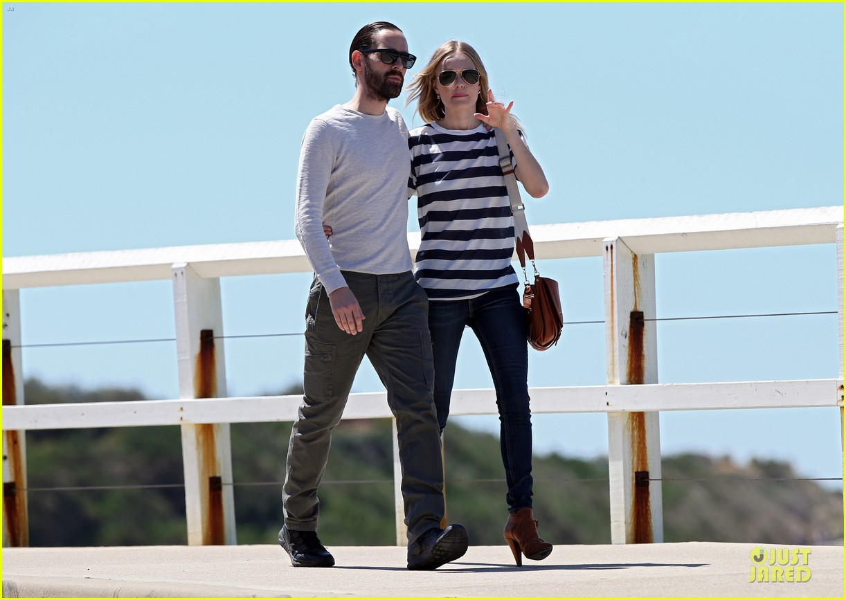 kate bosworth michael polish autralian sight seeing couple 072735733