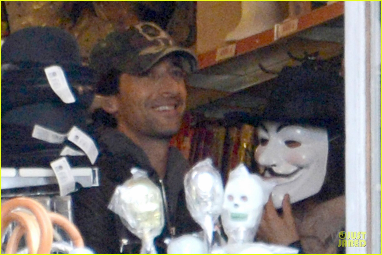 adrien brody halloween shopping in rome 132747316