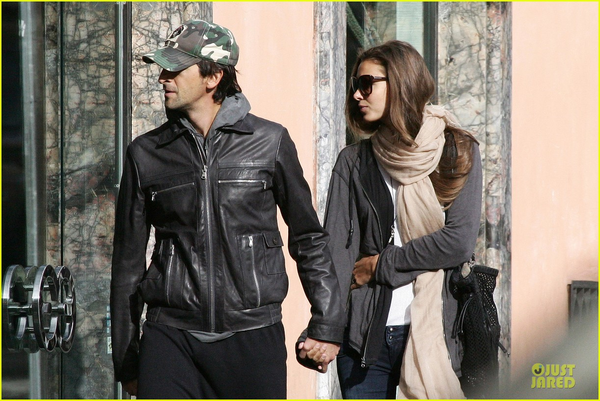 adrien brody halloween shopping in rome 21