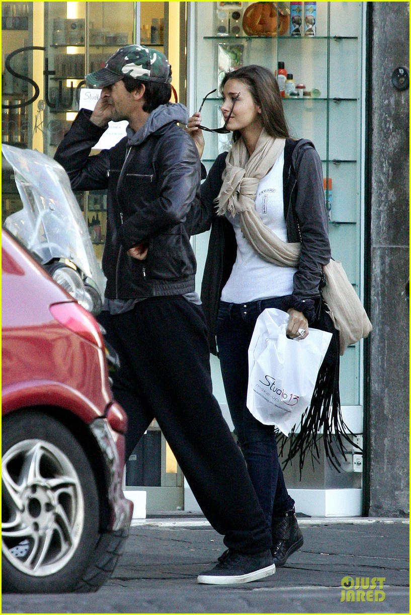 adrien brody halloween shopping in rome 252747328