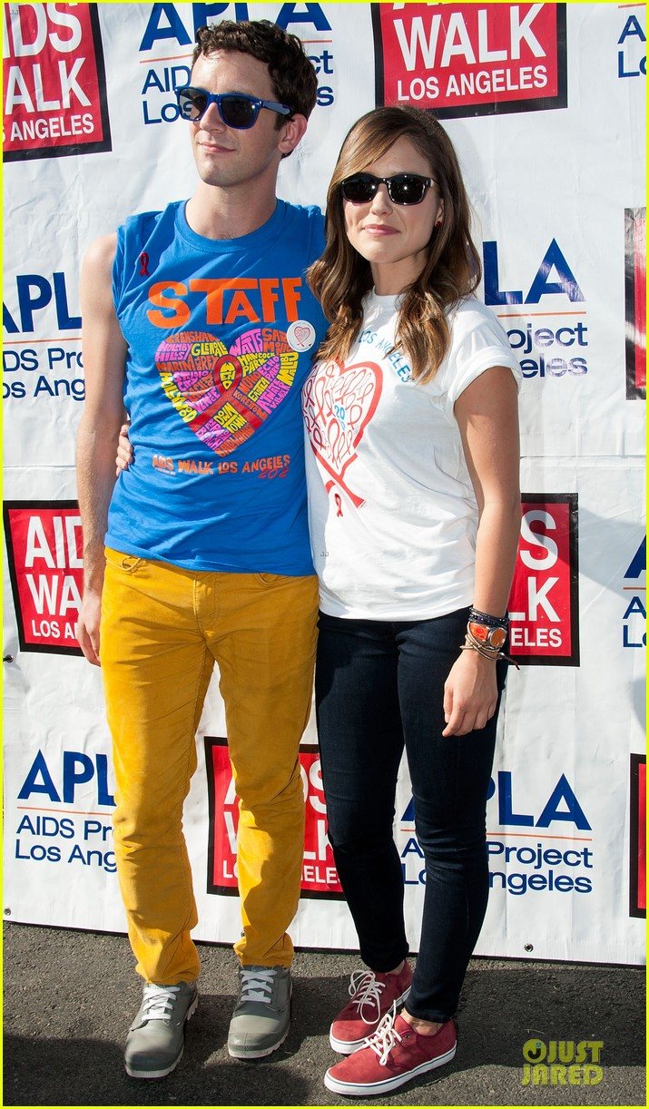 sophia bush christa b allen aids walk 01