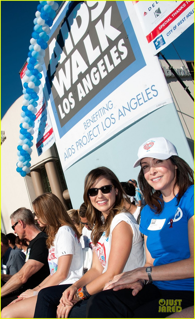 sophia bush christa b allen aids walk 062738177