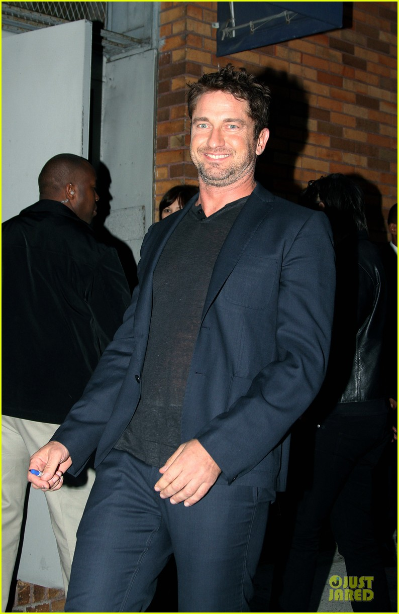 gerard butler olympus has fallen release date pushed up 032748104