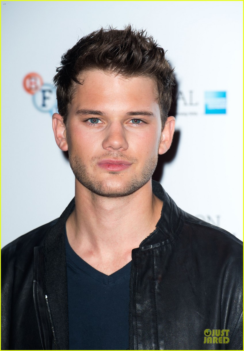 helena bonham carter jeremy irvine great expectations 102742143