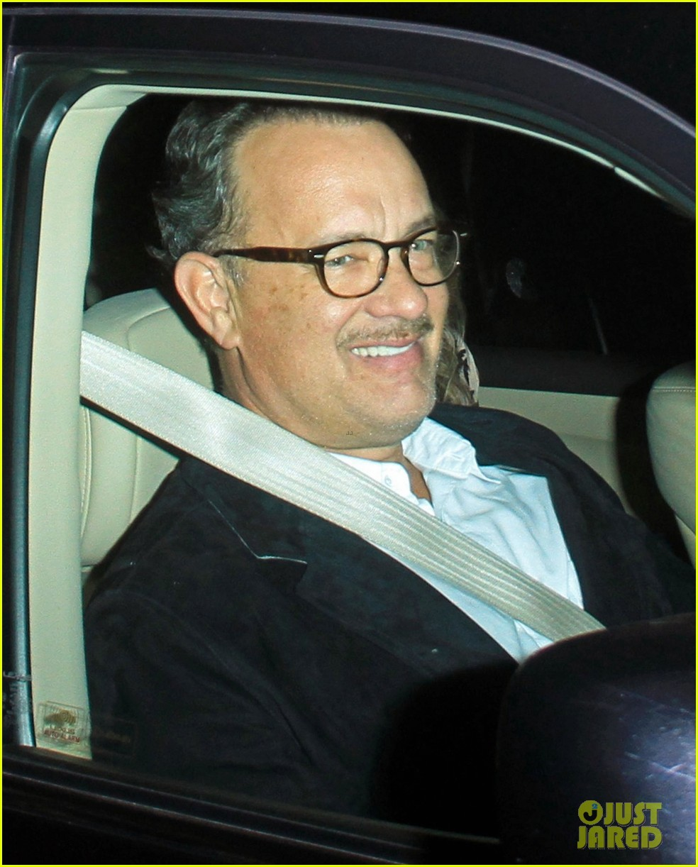 kristin chenoweth tom hanks attend rita wilson concert 02