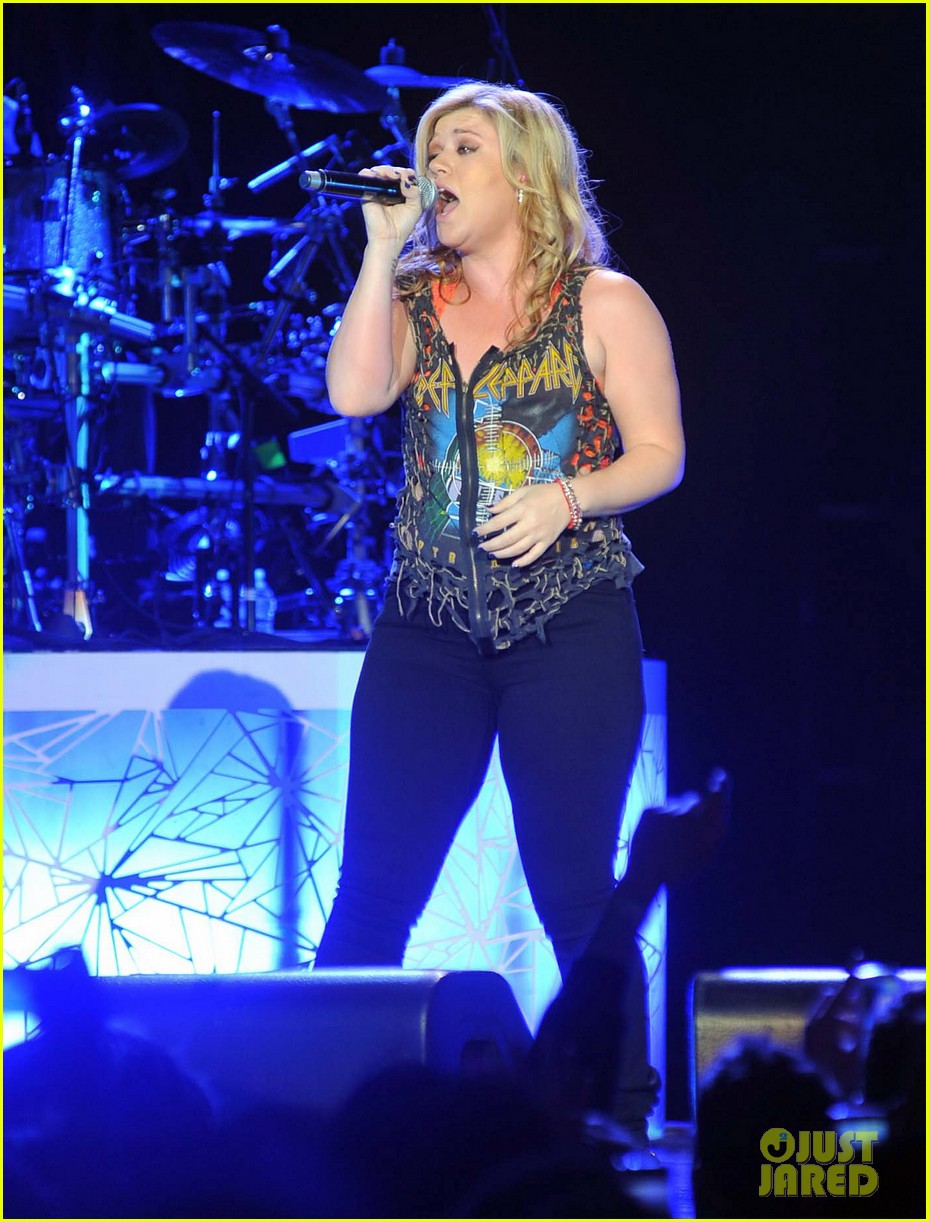 kelly clarkson on brandon blackstock were so getting married 022736132