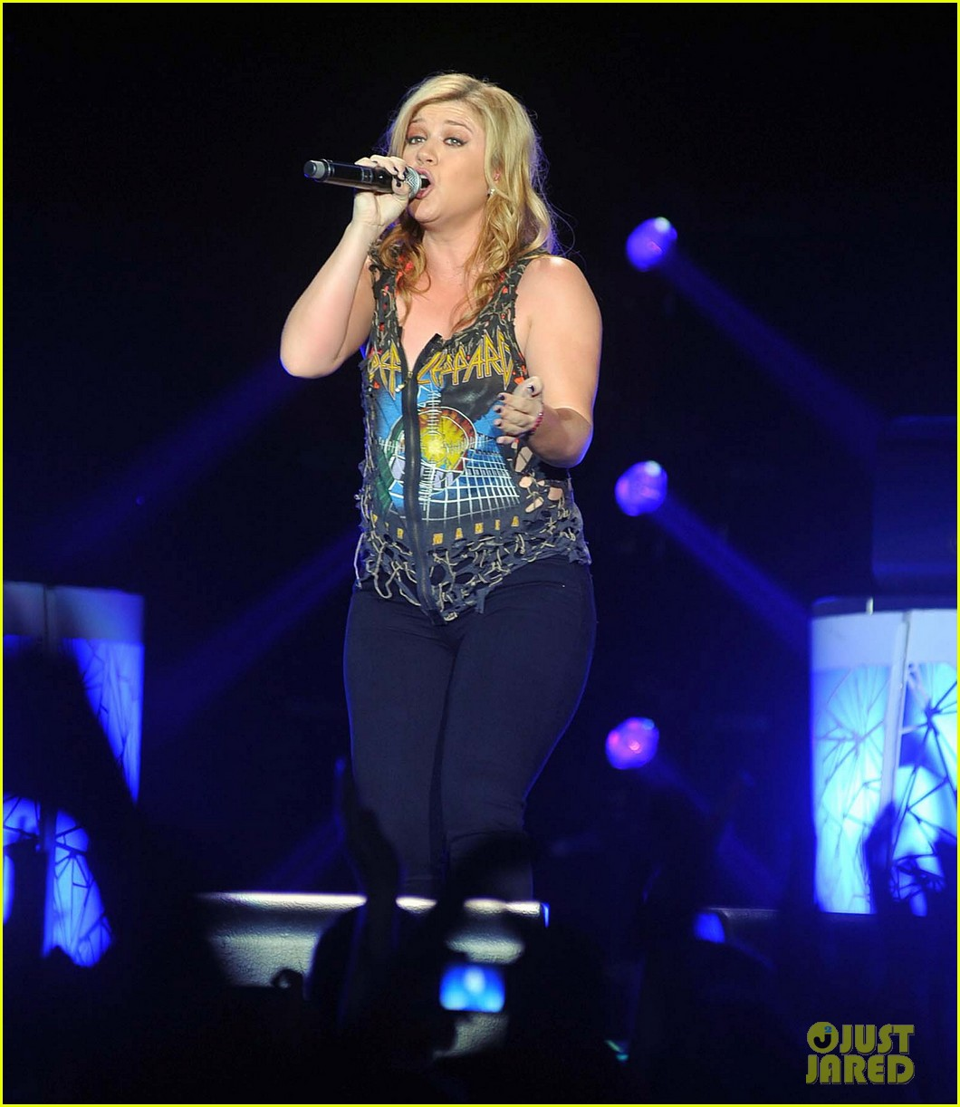 kelly clarkson on brandon blackstock were so getting married 072736137