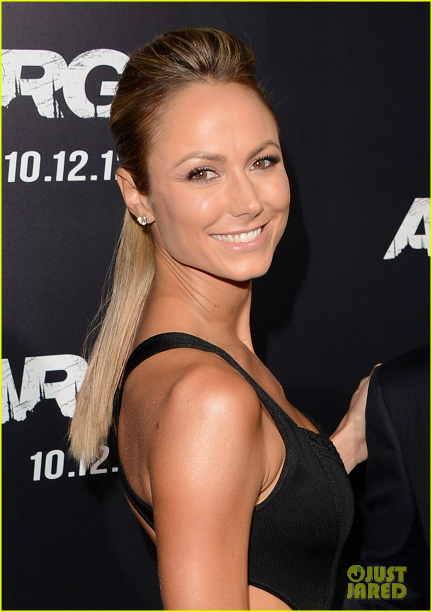 george clooney argo premiere with stacy keibler 022733239