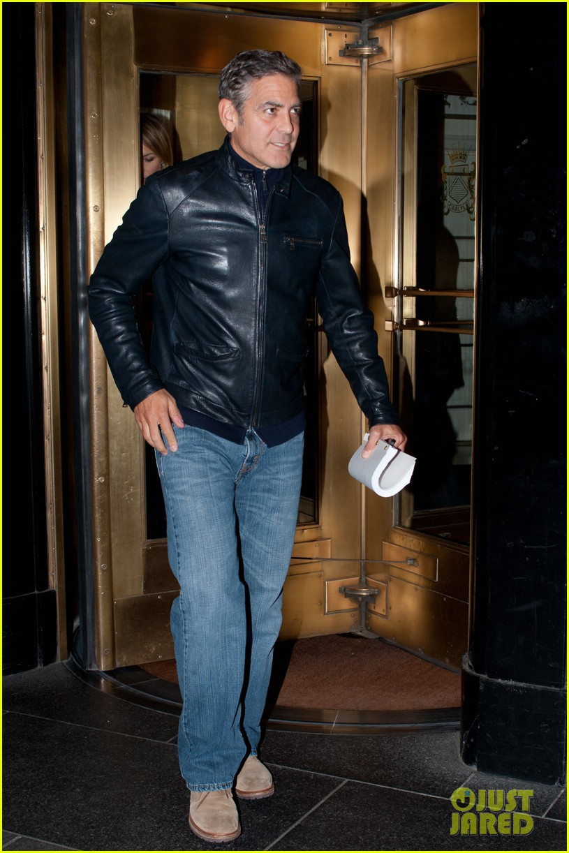 george clooney stacy keibler new york city duo 022735039