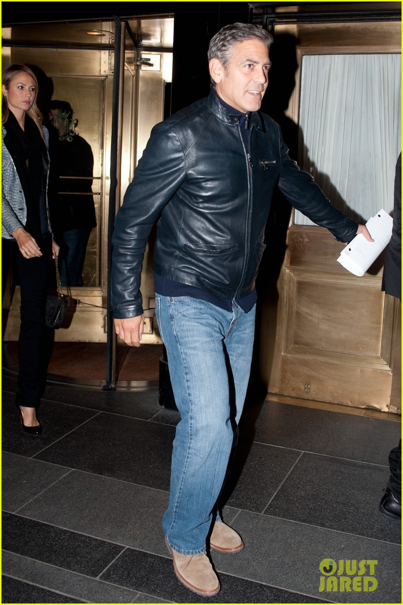 george clooney stacy keibler new york city duo 112735048